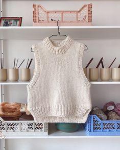 Holiday Slipover – PetiteKnit Big Yarn, Knit Vest Pattern, Mohair Yarn, Stockinette, Knit Fashion, Crochet Clothes, Crochet Outfits, Crochet Projects, Knitting Projects