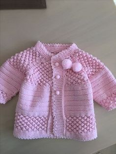 "pixeles ""Free baby cardigan pattern (plus heaps of variations)"", ""This post was discovered by Zey"" Baby Knitting Patterns, Baby Cardigan Knitting Pattern Free, Cardigan Pattern, Knitting For Kids, Lace Knitting, Baby Patterns, Crochet Patterns, Knit Baby Sweaters, Knitted Baby Clothes"