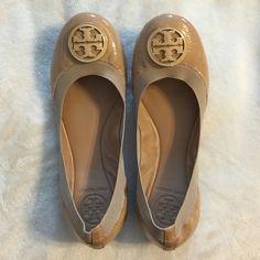 Authentic Tory Burch Caroline Ballet Flats Worn a handful of times and look practically new. Bottoms are a little worn as seen in the photo. Super cute and perfect for any occasion. Tory Burch Shoes Flats & Loafers