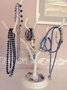 diy jewelry displays jewelry storages displays pinterest. Black Bedroom Furniture Sets. Home Design Ideas