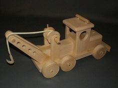 jouet en bois dépanneuse
