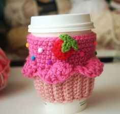 Coffee cup cozy. This is sooo cute! I wish was talented enough to actually make one.