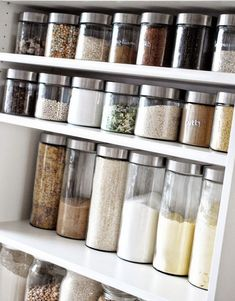 Iby Lippold Household Tips: Organizing the Storage Cabinet – Organize Pantry Iby Lippold Haushaltstipps : Vorratsschrank organisieren – Organize Pantry - Own Kitchen Pantry Diy Kitchen Storage, Pantry Storage, Wall Storage, Kitchen Pantry, Diy Storage, Storage Ideas, Storage Design, Space Kitchen, Storage Canisters
