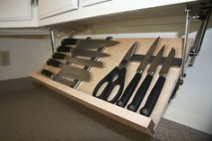 With this Under Cabinet Magnetic Knife Rack, you can easily keep your knives, scissors and other bladed kitchen items in order without having to worry about
