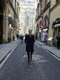 Umberto Cataldo De Pace wearing an unusual Casentino coat made by Sartoria Carfora Street View, Classy, Full Figured, Elegant, Chic