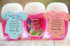 PocketBac Bath and Body Works hand sanitizer baby shower thank you for honoring celebrating our mommy to be and her little sweet pea baby shower hand sanitizer gift tags thank you tags Moldes Para Baby Shower, Regalo Baby Shower, Baby Shower Favors Girl, Baby Shower Fun, Baby Shower Parties, Baby Shower Themes, Baby Boy Shower, Baby Shower Invitations, Baby Shower Gifts