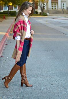 Great vintage look with long sweater coat and boots. Preppy Outfits, Hot Outfits, Classy Outfits, Skirts With Boots, Jeans And Boots, Sexy Boots, High Boots, Sexy Older Women, Sweater Coats