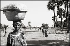 Women carrying loads in Burkina Faso