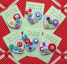 felt plus buttons equals wonderful brooches.