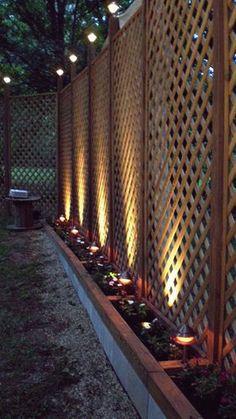 Backyard Garden Layout 40 DIY Backyard Privacy Fence Design Ideas on A Budget Garden Layout 40 DIY Backyard Privacy Fence Design Ideas on A Budget Privacy Fence Designs, Privacy Fences, Privacy Fence Decorations, Privacy Trellis, Trellis Fence, Lattice Privacy Fence, Privacy Fence Landscaping, Garden Landscaping, Garden Trellis