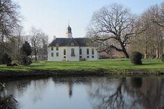 AMSTERDAM -De Bomenstichting heeft recent de 'Bomen van de Ereklasse' geïntroduceerd. Daarin krijgen de oudste, mooiste en meest bijzondere bomen van ons land een plaats. Deze 'toppers' zijn opgenomen in het Landelijk Register van Monumentale Bomen. Iedere maand wordt de 'top tien' van één van onze provincies bekend gemaakt.    Groningen  Deze maand is Groningen aan