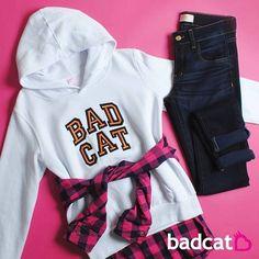 que tal usar seu moletom badcat com a camisa xadrez amarrada na cintura? A-M-A-M-O-S ❤️ #semprebadcat #estilobadcat #badcatinconfundivel  www.badcat.com.br Calça jeans (ref 8810) R$89,00 Camisa xadrez R$69,00 Moletom com Capuz (PROMO) R$ 39,00