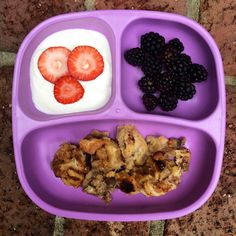 Toddler breakfast: - yogurt w/ strawberries - blackberries - PB banana bread pudding  #toddlerfood #toddlermeals #breakfast #breadpudding #kidfood #healthykids #goodmorning #replaymeals #replayrecycled @replayrecycled #buzzfeast #feedfeed #f52grams #instafood