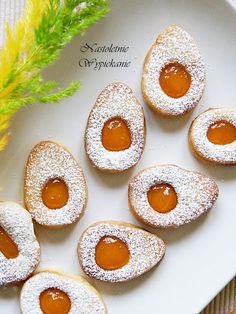 Nastoletnie Wypiekanie: Wielkanocne jajeczka z dżemem Easter Recipes, Dessert Recipes, Polish Holidays, Polish Easter, Czech Recipes, Polish Recipes, Fall Baking, Easter Cookies, Mini Cakes
