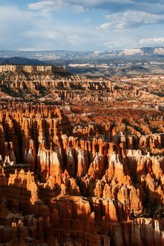 Hoodoos of the Bryce Canyon Amphitheater during sunset [13652048][OC] #reddit
