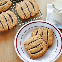 Peanut Butter and Jelly Icebox Cookies - now needed: healthy 'peanut butter cookie' recipe!