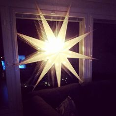 Big star ♡ Christmas 2013 Big Star, Table Lamp, Lighting, Paper, Christmas, Pictures, Home Decor, Xmas, Photos