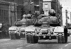 Αποτέλεσμα εικόνας για polytexneio Thunder Strike, Twitter Trending, Sounds Like, Military History, Warfare, Athens, Military Vehicles, Greece, Pentagon