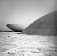 Brasilia, Oscar Niemeyer, photo: Lucien Clergue