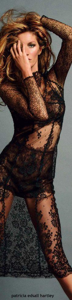 Strike a Pose - Gisele Bundchen for Vogue Paris - 2013 Rio Grande Do Sul, Foto Fashion, Fashion Models, Gisele Caroline Bündchen, And God Created Woman, Foto Real, Glamour, Gisele Bundchen, Vogue Paris