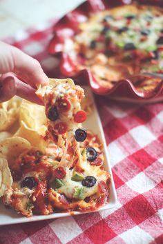 Skinny Layered Pizza Dip!