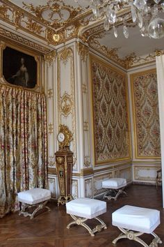 Louis xiv placards and communication on pinterest for Chambre louis xvi versailles