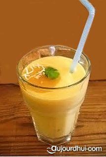 Smoothie mangue kiwi (mangue, kiwis, fromage blanc) - Recette boisson - Aujourdhui.com Kiwi Smoothie, Smoothie Diet, Fruit Smoothies, Healthy Smoothies, Smoothies Detox, Fruit Juice, Healthy Eating Tips, Healthy Recipes, Detox Juice Cleanse