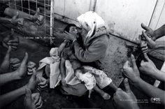 "Una de las fotos de la campaña ""Linking is not Helping"""