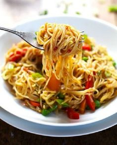 Low FODMAP Recipe and Gluten Free Recipe - Veggie Singapore noodles   http://www.ibssano.com/low_fodmap_recipe_singapore_noodles.html