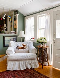 """I can't stand the clutter but I love the colors and feel of this home.   """"Houzz--Creativity Flows in a New Hampshire Cottage"""""""
