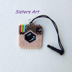 """Ciondolo """"Instagram"""" per Smartphone realizzato con perline Miyuki delica, by Sisters Art, in vendita su http://www.misshobby.com/it/negozi/sisters-art"""