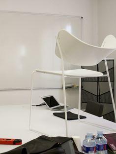 yonoh: arc chair