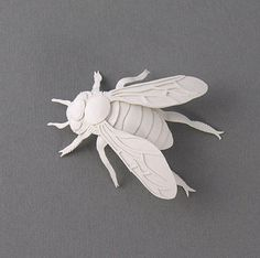 This 6 cm bee is a miniature paper sculpture designed and made by myself. For the making of this bee I arranged several little pieces of paper that I carefully cut with a sharp knife and scissors. 3d Paper, Origami Paper, Paper Quilling, Paper Cutting, Papercut Art, Papier Diy, 3d Fantasy, Up Book, Bee Art