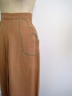 scalloped pocket detail on antique skirt (is a skirt from the 1940s an antique?)