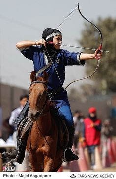 Pictures of girls and boys on horseback archer in Tehran - Tuesday 26 September 1392 Hijri Shamsi year ( 17 September 2013 ), the Club Samand