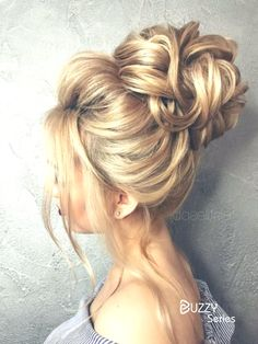 So pretty chignon bun hairstyles for any occasion.You will get a ton of compliments for your bun. These ideas of pretty chignon bun hairstyles are easy to recreate and will earn you a ton of compliments. Chignon Bun, Updo Curls, High Bun Hairstyles, Girl Hairstyles, Fashion Hairstyles, Black Hairstyles, Winter Hairstyles, Bridal Hairstyles, Scarf Hairstyles