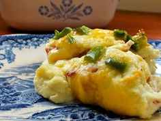 scoop of jalapeno popper casserole - lowcarb-ology.com #recipes #lowcarb