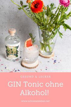 Einfaches Rezept für alkoholfreien Gin-Tonic mit Grapefruit und Rosmarin #alkohlfrei #cocktail #gintonic #regional Gin, Glass Vase, Easy Peasy, Summer Vibes, Drinks, Party Ideas, Recipes, Regional, Smoothies