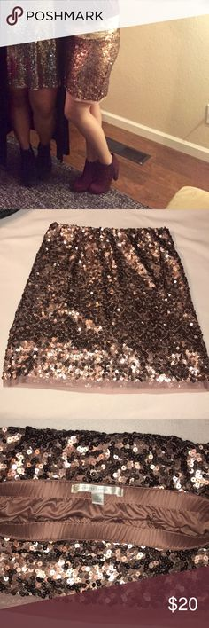 Lauren Conrad sequin skirt Rose gold Lauren Conrad sequin skirt. Perfect for shining bright at any party⭐️ flexible with price LC Lauren Conrad Skirts