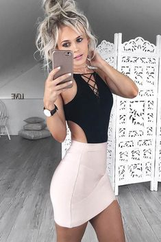 Pink Skirt With Black Bodysuit Outfit ★ Want to shine brightly at the parties with sexy club outfits? Browse our inspo gallery to find the trendiest clubwear ideas: from short tight dresses and skirts to fancy jeans! Sexy Outfits, Night Outfits, Skirt Outfits, Sexy Dresses, Cute Outfits, Party Outfits, Casual Clubbing Outfits, Outfits For Concerts, Kohls Dresses
