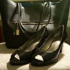 Bandolino open toe pumps Worn only once, great for work Bandolino Shoes Heels