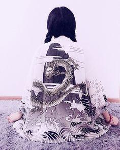 products/dragon-waves-kimono-white-back-inuinu-inu-shopinuinu-kawaii-harajuku-fashion.png