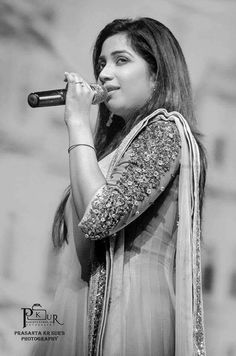SHREYAGHOSHAL- A SINGER THAT TOUCHED THE MILLIONS OF HEARTS ALL AROUND THE WORLD.