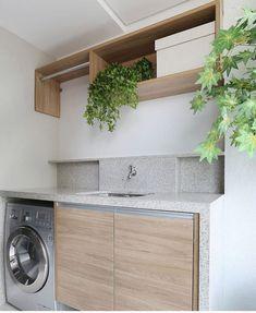Quando não é possível embutir a tubulação Garage Laundry, Small Laundry, Utility Room Designs, Landry Room, Main Entrance Door Design, Laundry Room Cabinets, Cupboards, Cleaning Closet, Laundry Room Design