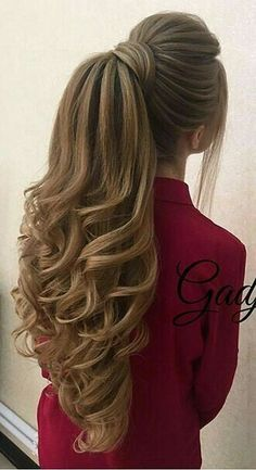 DIY Ponytail Ideas You're Totally Going to Want to 2019 Adorable Ponytail Hairstyles; Classic Ponytail For Long Hair; Dutch Braids To A High Pony;High Wavy Pony For Shoulder Length Hair - Unique Long Hairstyles Ideas Long Face Hairstyles, Braided Hairstyles, Wedding Hairstyles, Men's Hairstyles, Formal Hairstyles, Summer Hairstyles, Hairstyle For Long Hair, Simple Hairstyles, Everyday Hairstyles