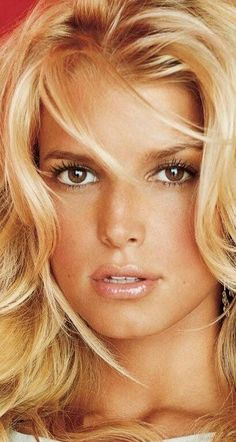 Gorgeous Latina, Payton List, Sexy Women, Beautiful Women, Hair Styles, Thick Hair, Beauty, Kitten, Faces