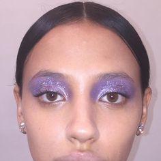 purple smokey eye, purple eyeshadow, makeup - Makeup Looks Korean Purple Smokey Eye, Purple Eye Makeup, Purple Eyeshadow, Eyeshadow Looks, Eyeshadow Makeup, Glitter Eyeshadow, Maybelline Eyeshadow, Eyeshadow Palette, Glitter Makeup