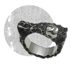 Magic artefacts extracted from dark forests. Mysterious sacred meaning glowing through silver, sometimes cankered by time and sometimes unexpectedly polished @kudoshuji  #kudoshuji #node #nodebykudoshuji #ring #designerjewelry #avantgarde #jewellery #avantgardejewelry #blackfashion #darkfashion #handcrafted #denialofentry
