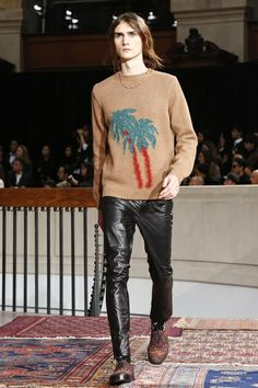 Discover NOWFASHION, the first real time fashion photography magazine to publish exclusive live fashion shows. Black Leather Pants, Leather Men, Live Fashion, Fashion Show, Men's Fashion, Mens Fashion Week, Runway Fashion, Fall Winter 2014, Leather Fashion