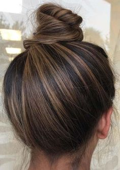 Stylish top bun & updo styles for stylish women 2019 . - Joyeux - - Stylish top bun & updo styles for stylish women 2019 # stylish Best Picture For christmas gifts …. Brown Hair Balayage, Hair Color Balayage, Balayage Highlights, Indian Hair Highlights, Fall Highlights, Bronde Balayage, Brunette Highlights, Updo Styles, Curly Hair Styles